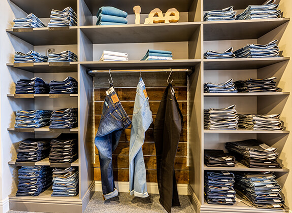 bot-opmeer-kledingwinkel-heren-jeans